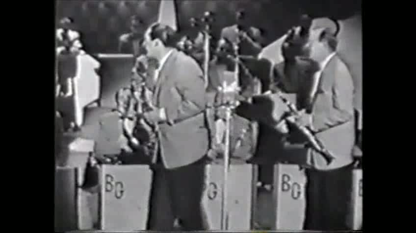 Gene Krupa and Benny Goodman On The Sid Caesar Show- Nov. 1, 1954- A Tribute To The Famed Goodman Carnegie Hall Concert of 1937! Featuring The Great Charlie Shavers.